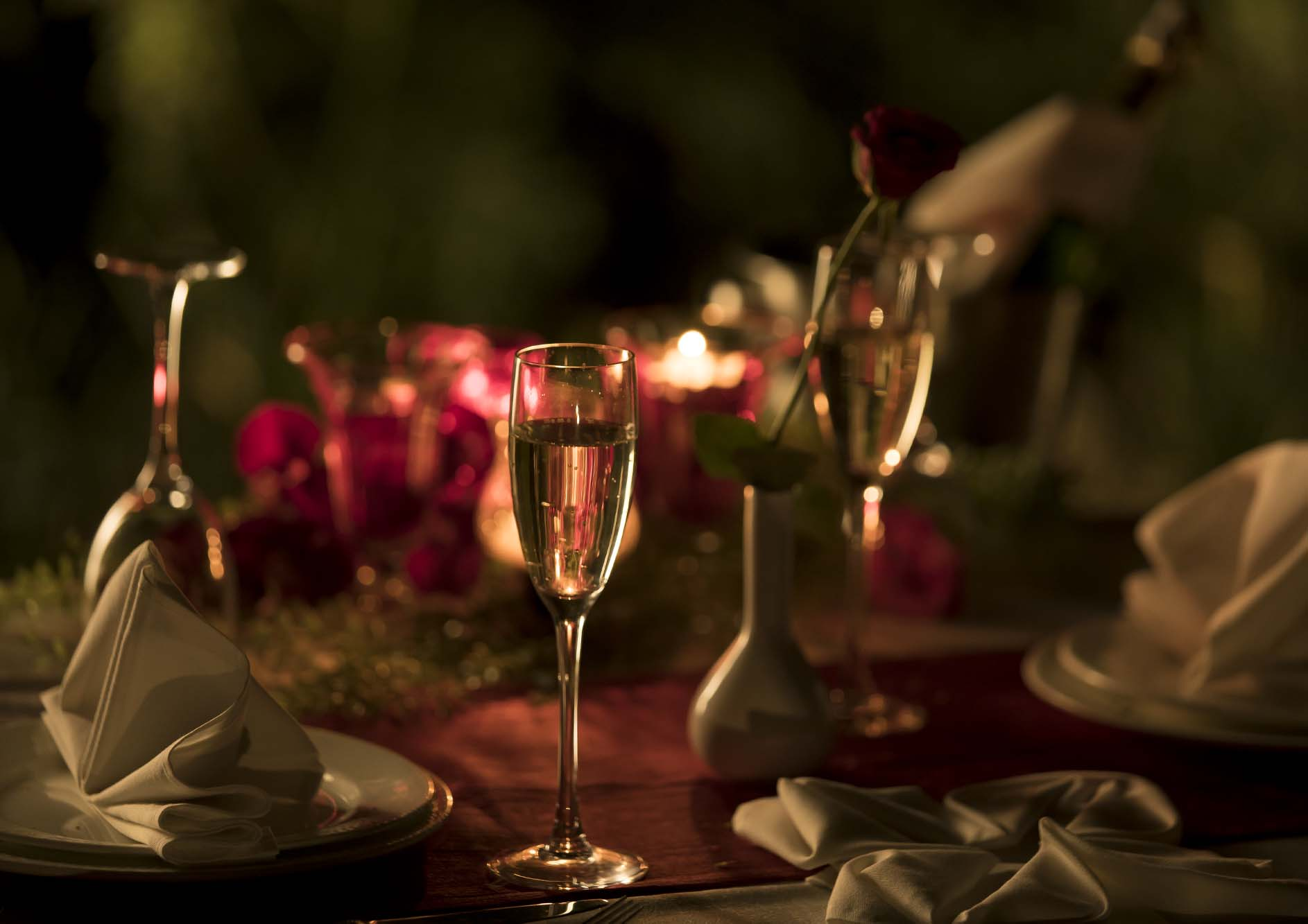 champagne-glass-on-table-in-luxury-hotel
